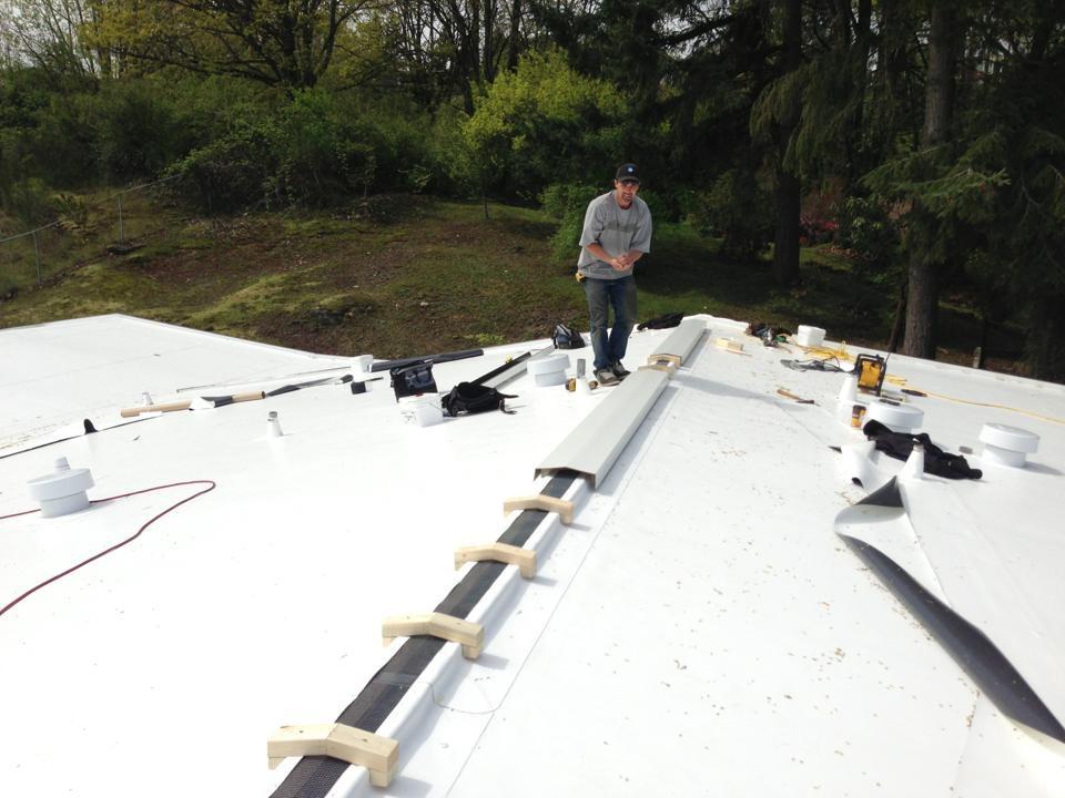 Ridge Vent System On Ib Pvc Roof Pinnacle Roofing